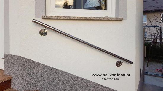 Inox rukohvat sa cijevi fi 40 i bočnim nosačima na stiropor fasadi